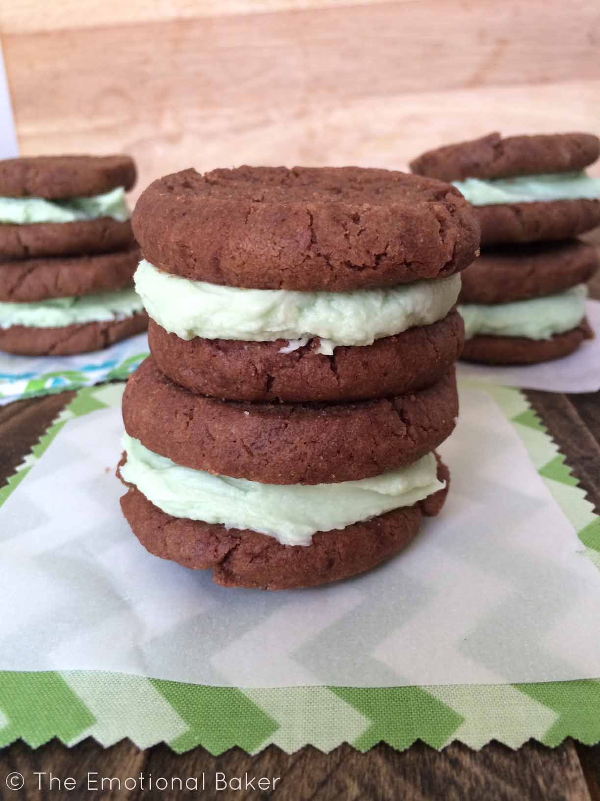Homemade vegan mint oreos with Creme de Menthe frosting