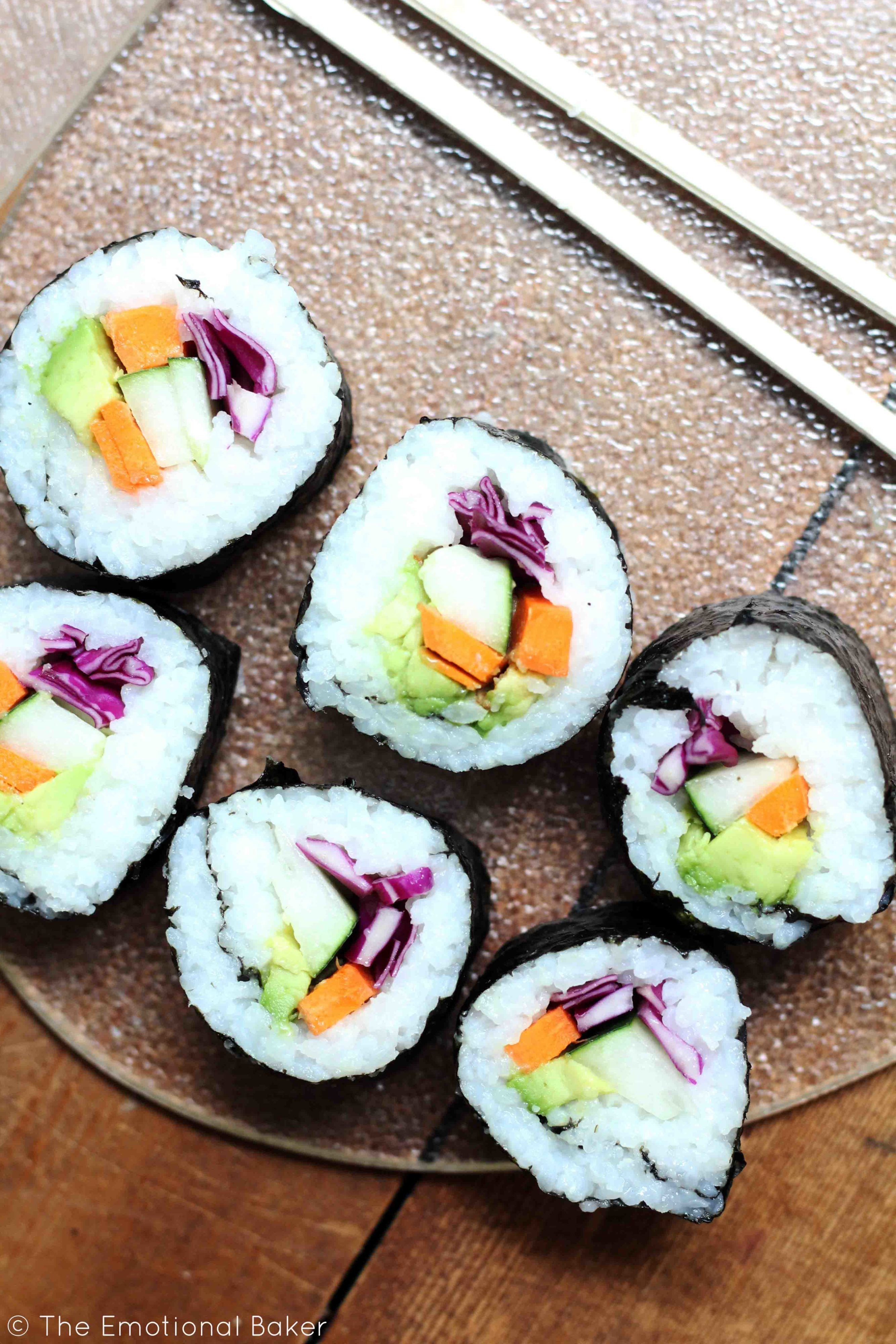 Veggie Sushi - easy vegetarian and vegan friendly recipe with step-by-step instructions!