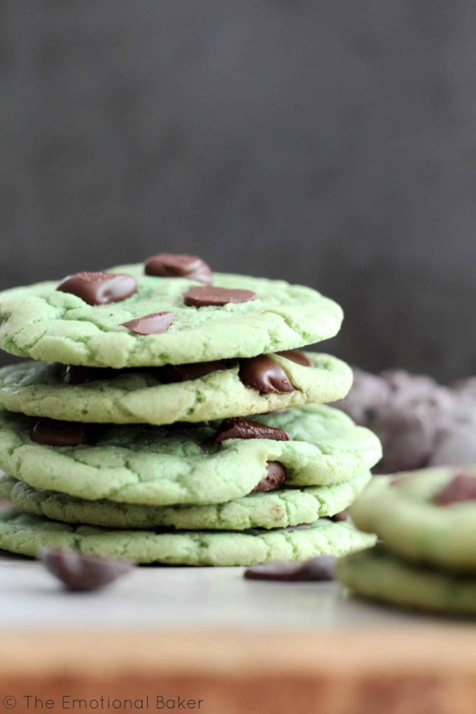 These vegan mint chocolate chip cookies are sure to be your new favorite!